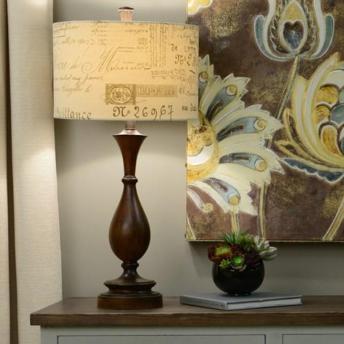 Chụp đèn trang trí bằng chữ giúp làm nổi bật tủ đầu giường, tủ quần áo hoặc bàn làm việc của bạn