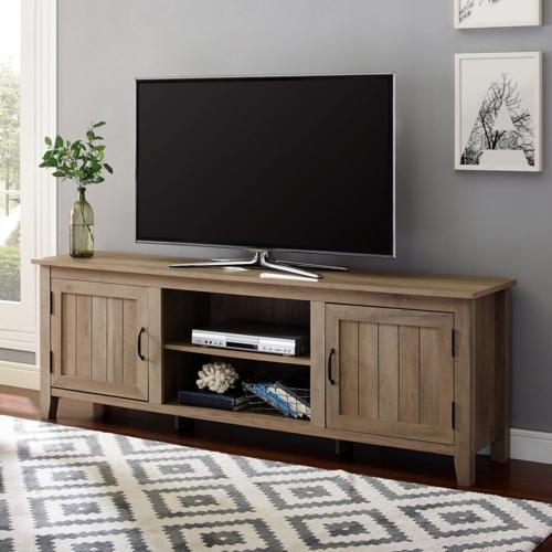 Ngoài ngăn dành cho đầu máy, hai kệ hai bên còn có thể sử dụng như một nơi để lưu trữ sách báo, bảng điều khiển hoặc những vật dụng quan trọng trong phòng khách