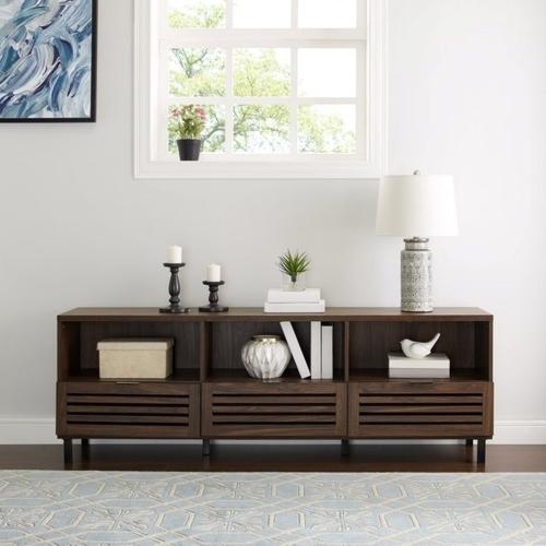 Kệ lưu trữ có thể thay đổi linh hoạt khiến cho thiết bị này trở nên hoàn hảo cho phòng khách hoặc phòng ngủ