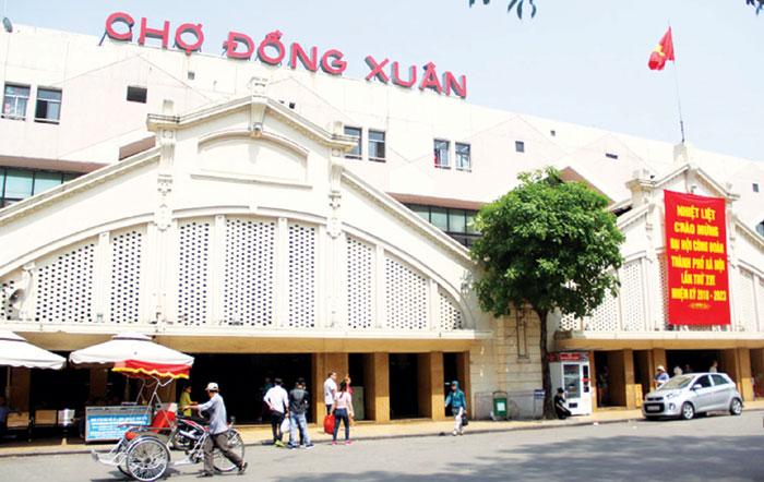 Chợ Đồng Xuân với hơn 200 năm tồn tại đã trở thành nét văn hóa đặc trưng của Hà Nội. Ảnh: Doãn Thành