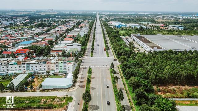 Hạ tầng giao thông giữa các khu dân cư được xây dựng khá thông thoáng, đồng bộ...