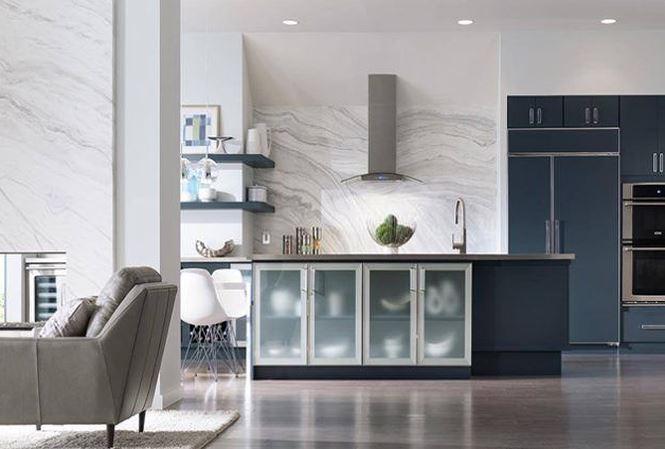Nhà bếp xinh với mẫu gạch ốp thạch anh đầy tinh tế (nguồn: decoraid)