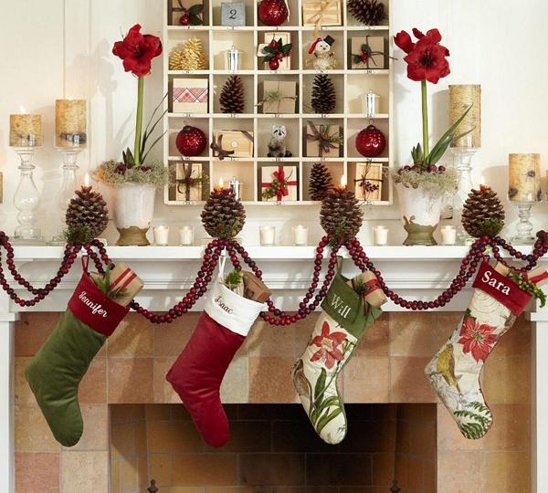 Những chiếc tất sẽ treo ở tủ đồ sẽ mang đến một mùa Giáng sinh an lành cho gia đình bạn