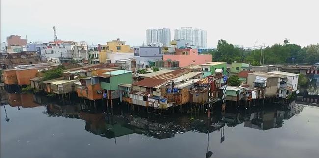 TP.HCM di dời nhà trên và ven kênh rạch để tạo quỹ đất phát triển đô thị hiện đại (ảnh TL)