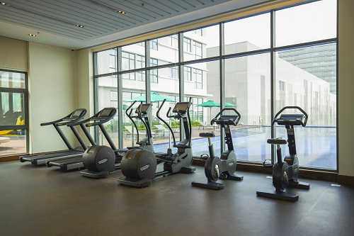 Phòng gym, hồ bơi hiện đại để phục vụ cho nhu cầu của khách đến từ mọi quốc gia