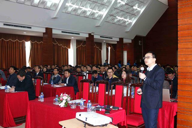 Ông Nguyễn Tuấn Ngọc Tú - Đại diện Cục Giám định nhà nước về chất lượng công trình xây dựng trình bày tham luận tại Hội thảo
