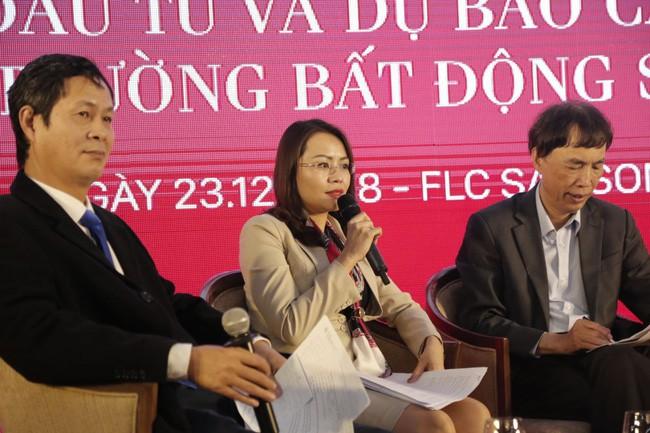 Bà Hương Trần Kiều Dung, Tổng Giám đốc Tập đoàn FLC (giữa) cho biết: chắc chắn năm 2019, thị trường bất động sản sẽ tăng trưởng tốt