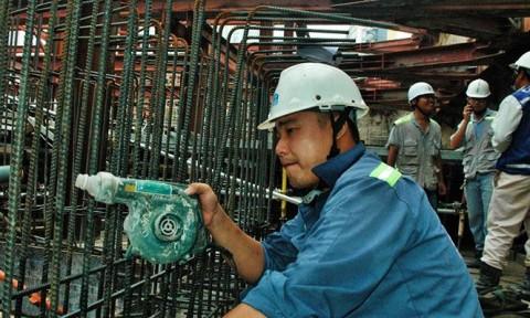 Tuyến metro số 1 tại TPHCM: Vì đâu tường vây bị 'bào' còn 1,5m?