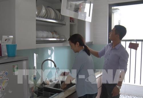 Dự án nhà ở xã hội Hoàng Gia đã bàn giao nhà cho người lao động. Ảnh: Diệp Trương - TTXVN