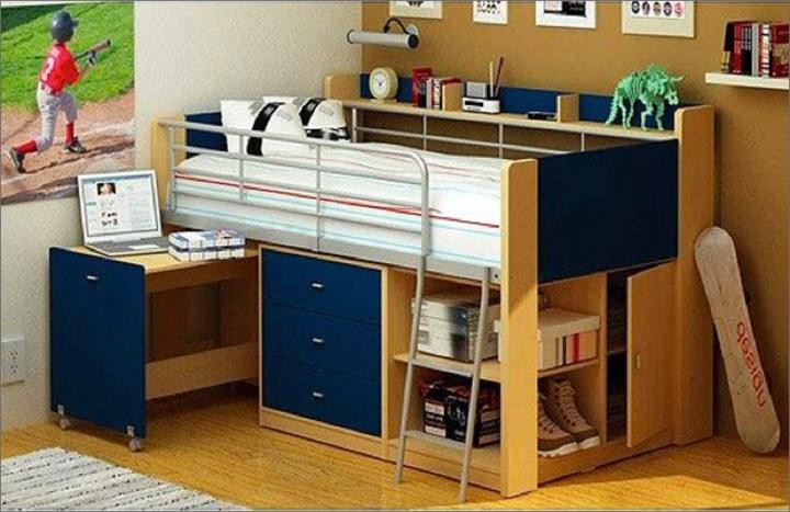 Chiếc giường ngủ được thiết kế ở trên, ở dưới là bàn học và tủ đựng đồ, sách vở cho trẻ