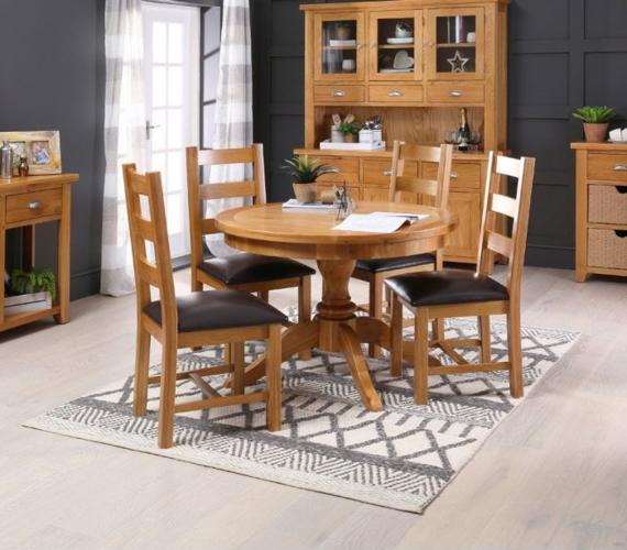 Không cần sử dụng quá nhiều chi tiết nhưng bộ bàn ghế ăn phong cách Rustic vẫn cuốn hút trong không gian hiện đại