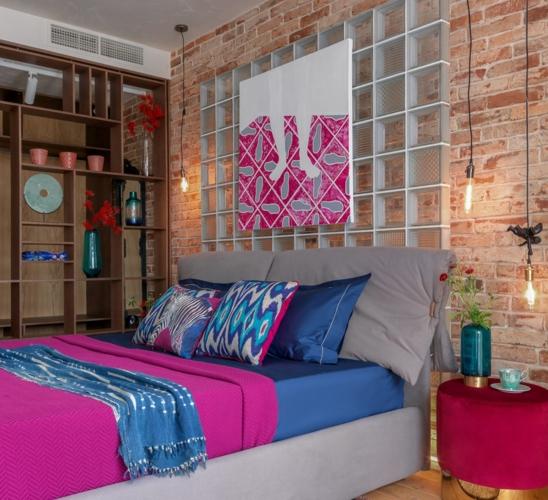 Phòng ngủ dành cho khách được trang trí lại dành cho những vị khách ghé thăm gia chủ trong dịp tết
