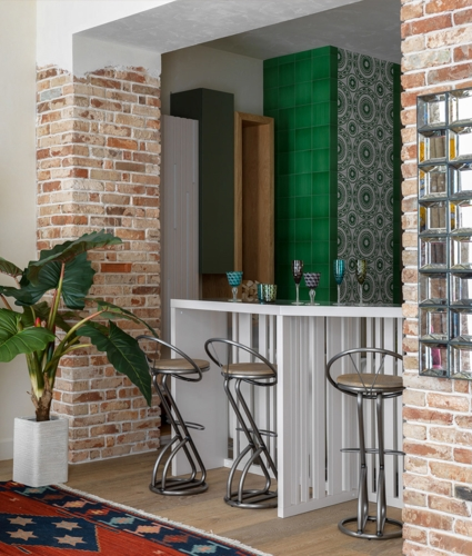Nếu ngôi nhà bạn đủ lớn đừng ngần ngại sắp xếp thêm quầy bar