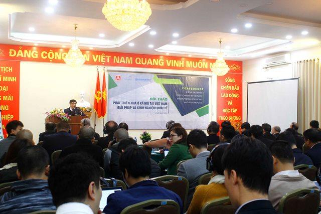 Giám đốc UN-Habitat Việt Nam Nguyễn Quang tham luận tại Hội thảo