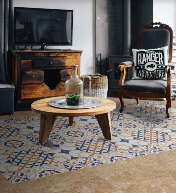 """Một kiểu phối gạch dạng thảm đối xứng, người sử dụng có thể thêm vào không gian phòng khách một """"chiếc thảm"""" đẹp, cổ điển mà bền theo thời gian"""