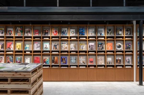 nha-sach-bunkitsu-bookstore-japan-nhat-ban-51
