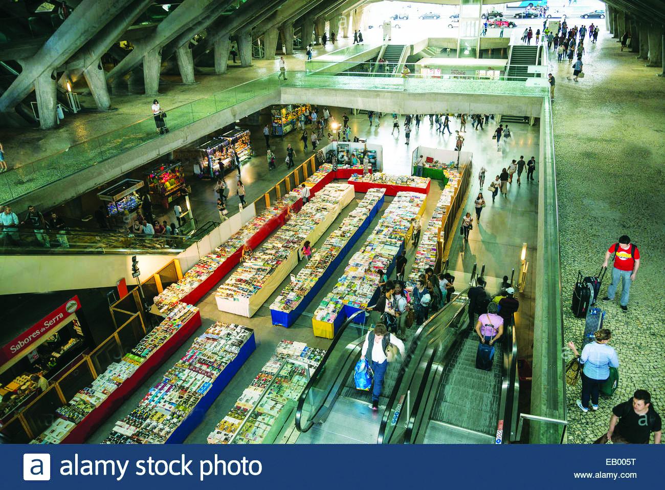 Ga metro ngầm kết hợp sử dụng là nơi bán sách tại TP Lisbon (Bồ Đào Nha)