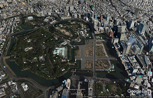 Công viên quốc gia Kokyogaien có vai trò giãn cách khu phố thương mại với vườn Fukiage