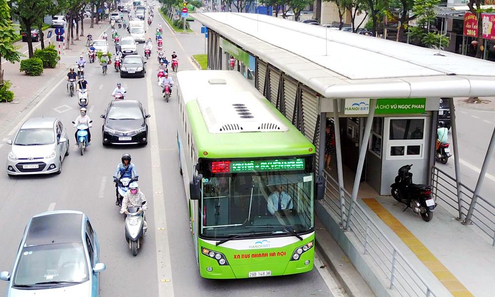Trong khi đó, hệ thống vận tải công cộng chưa đáp ứng được yêu cầu