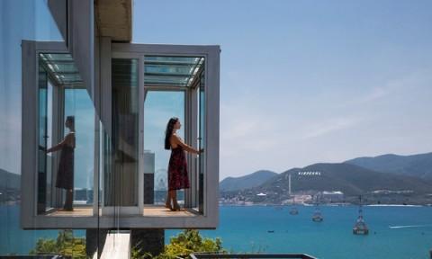 """Stone House – Ngôi nhà với tầm nhìn """"vô cực"""" ôm trọn vịnh Nha Trang"""