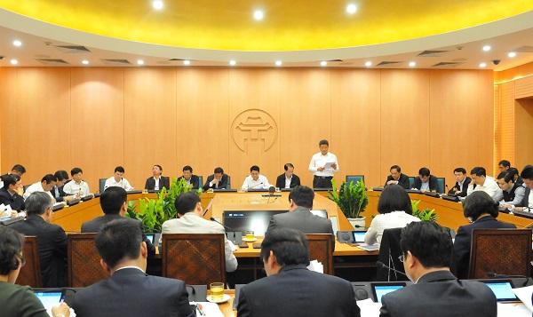 Giám đốc Sở KH-ĐT Nguyễn Mạnh Quyền phát biểu tại phiên họp