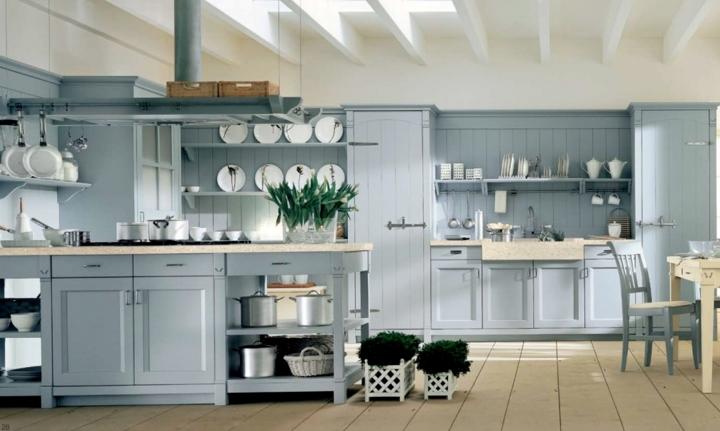 Vừa là tủ bếp vừa là nơi để trưng bày các loại bát đĩa, đồ dùng nhà bếp một cách khéo léo, gọn gàng