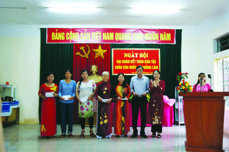 Phong trào ngày hội đại đoàn kết toàn dân tộc tại thôn Văn Miếu, xã Đường Lâm