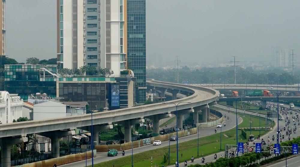 Tuyến metro số 1 bị ách tắc và chậm tiến độ lâu nay vì vướng cơ chế tài chính. Ảnh: TL