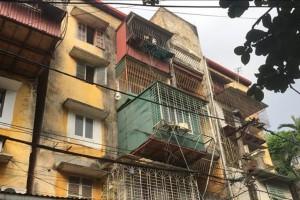 TP Hồ Chí Minh di dời khẩn cấp người dân ra khỏi chung cư cũ nguy hiểm