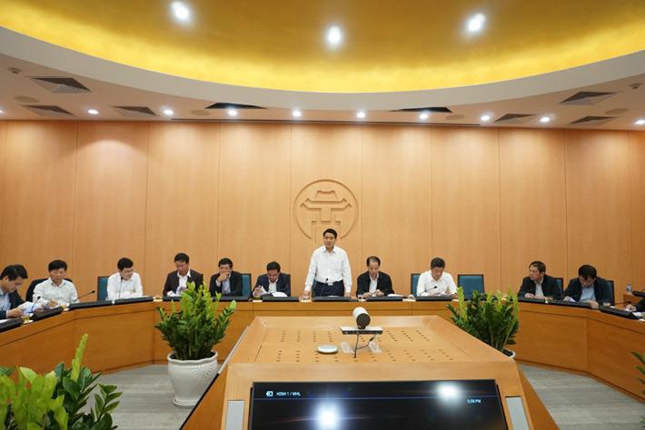 Chủ tịch UBND TP Hà Nội Nguyễn Đức Chung phát biểu tại cuộc họp