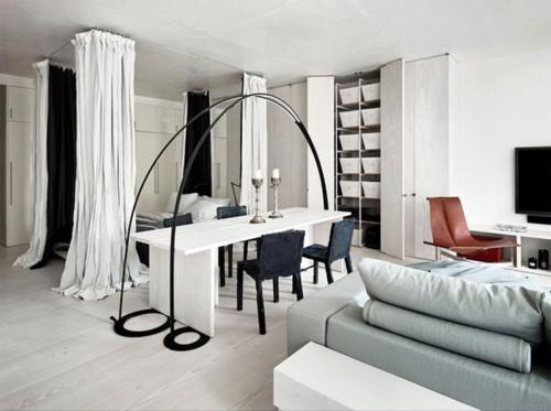 Những đồ nội thất được chọn đa phần là các thiết kế sáng tạo, phá cách