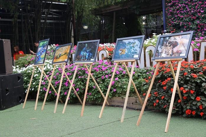 Các tác phẩm đoạt giải trong các cuộc thi Vẽ tranh thiếu nhi Vì môi trường 2018 và ảnh đoạt giải trong cuộc thi ảnh Môi trường và Cuộc sống 2018 được trưng bày tại buổi lễ