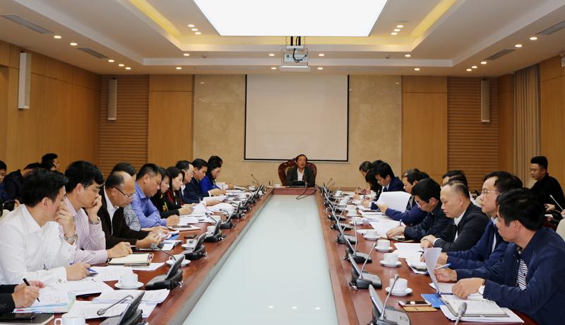 Bộ trưởng Phạm Hồng Hà chỉ đạo tại cuộc họp