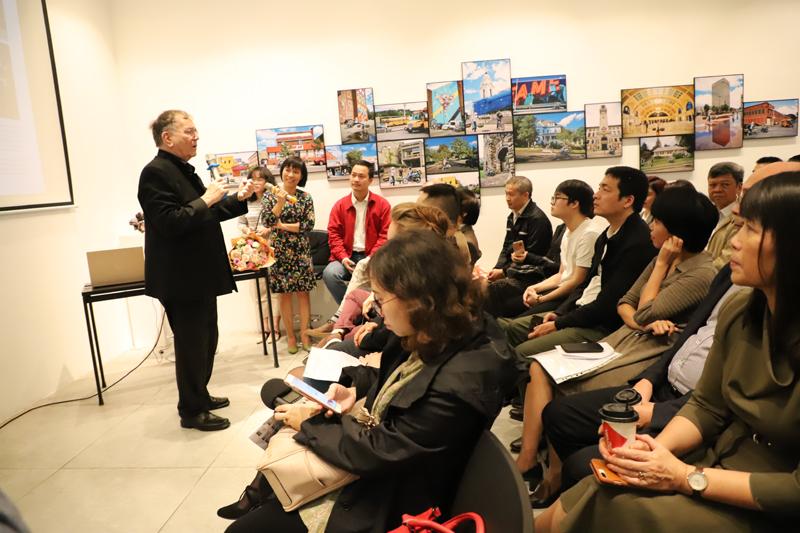 """Lễ giới thiệu và ra mắt cuốn sách """"Đô thị vị nhân sinh"""" thu hút đông đảo sự quan tâm của giới KTS Việt Nam"""