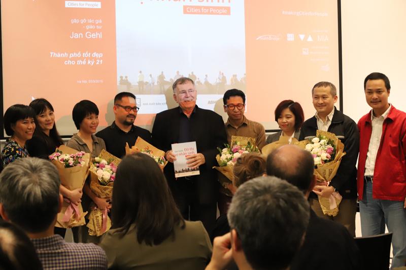 GS. Jan Gehl giao lưu với các KTS trẻ Việt Nam
