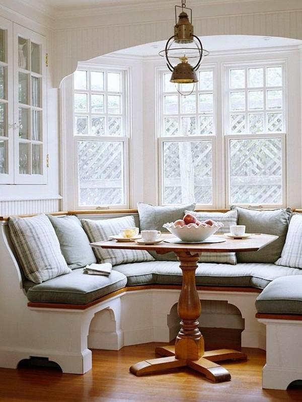 Mẫu ghế liền tường giúp không gian phòng khách thêm sang trọng và ấm cúng.