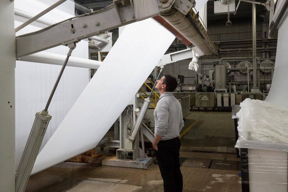Tại một nhà máy ở Thụy Điển, rèm thông minh được nghiên cứu và sản xuất