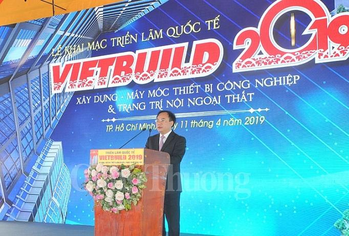 Ông Nguyễn Văn Sinh - Thứ trưởng Bộ Xây dựng phát biểu tại lễ khai mạc