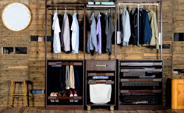 Tủ quần áo mở ngoài sự tiện lợi trong việc tìm kiếm quần áo còn giúp giảm áp lực không gian vì có thể được đặt ở bất kỳ vị trí nào trong nhà