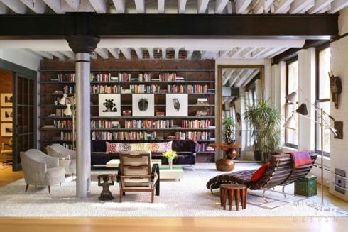 Tủ sách ngay trong căn phòng khiến cho chúng ta cảm thấy như ngồi đọc sách ở thư viện