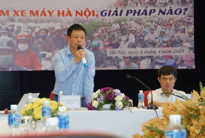 Ông Phùng Công Sưởng - Phó Tổng biên tập Báo Tiền Phong phát biểu tại buổi tọa đàm - Ảnh: Hoàng Mạnh Thắng