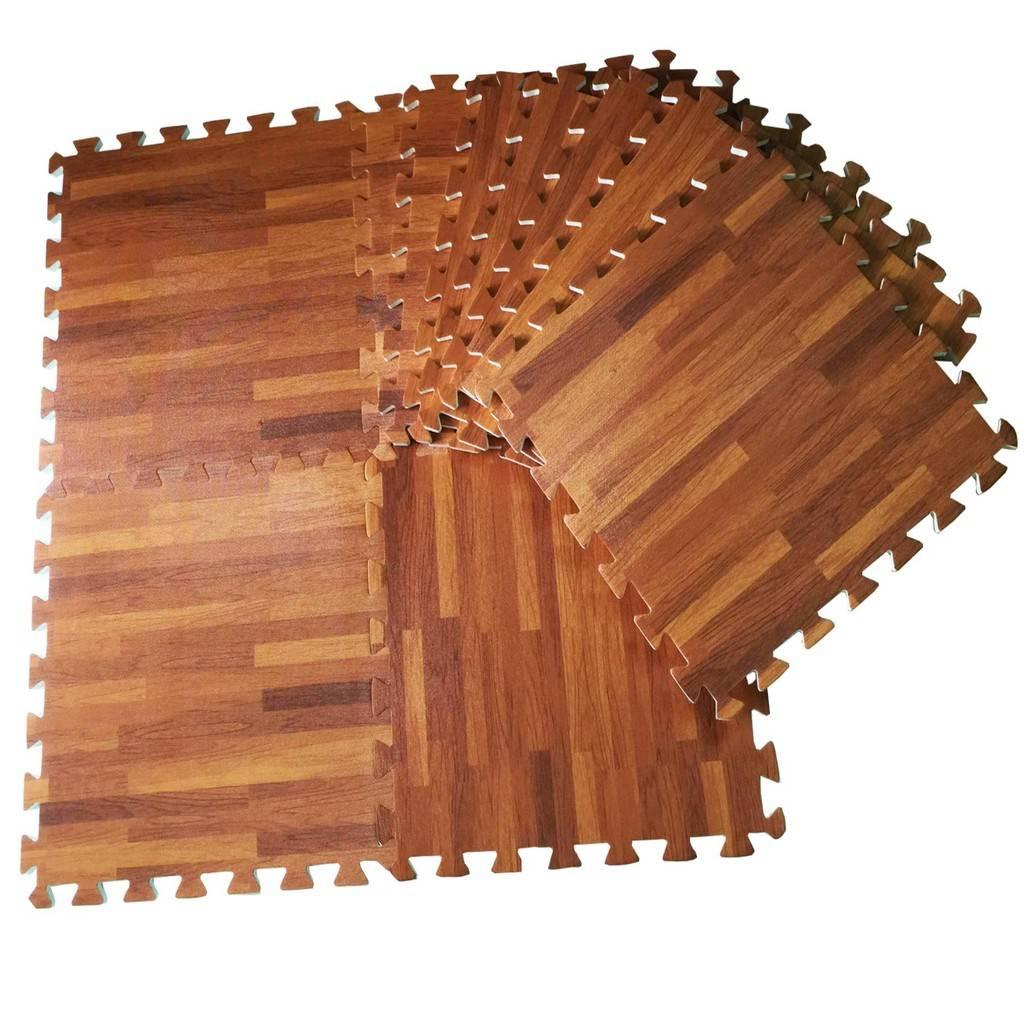 Thông thường với thảm trải sàn nhà vân gỗ được cấu tạo bằng xốp thì có 2 dòng là mặt sần và mặt trơn