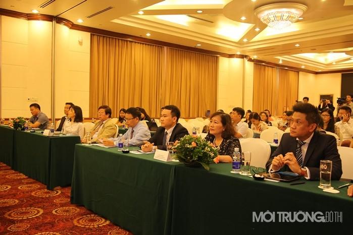Buổi họp báo có sự tham dự của nhiều vị khách quý và gần 100 cơ quan báo chí, truyền thông Trung ương và Hà Nội