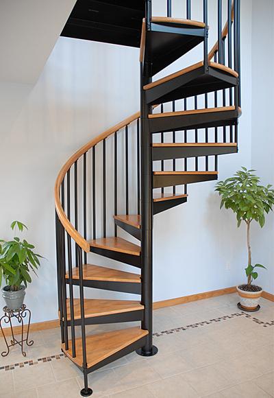 Cầu thang xoắn ốc rất phù hợp với ngôi nhà có diện tích nhỏ