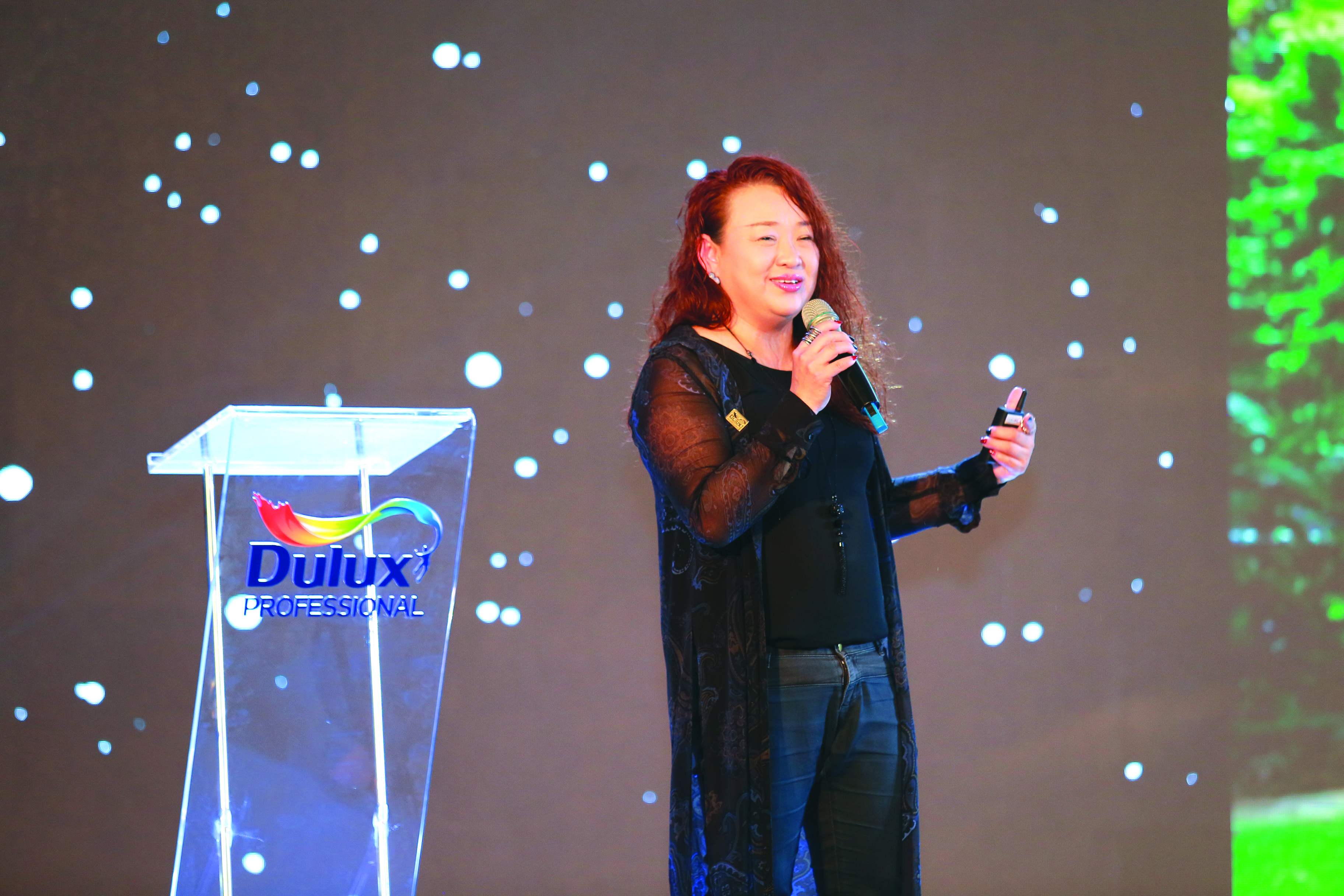 Bà Pamela Phua, Tổng giám đốc AkzoNobel Việt Nam