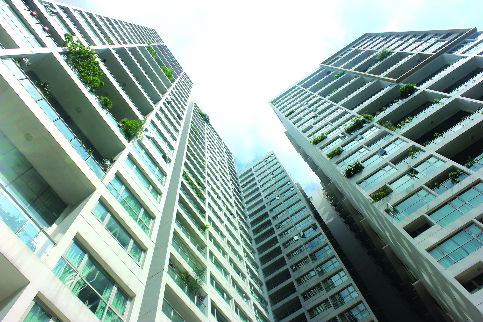 Sản phẩm sơn Ecolife ứng dụng vào cửa sổ căn hộ chung cư cao tầng làm giảm nhiệt độ bên trong