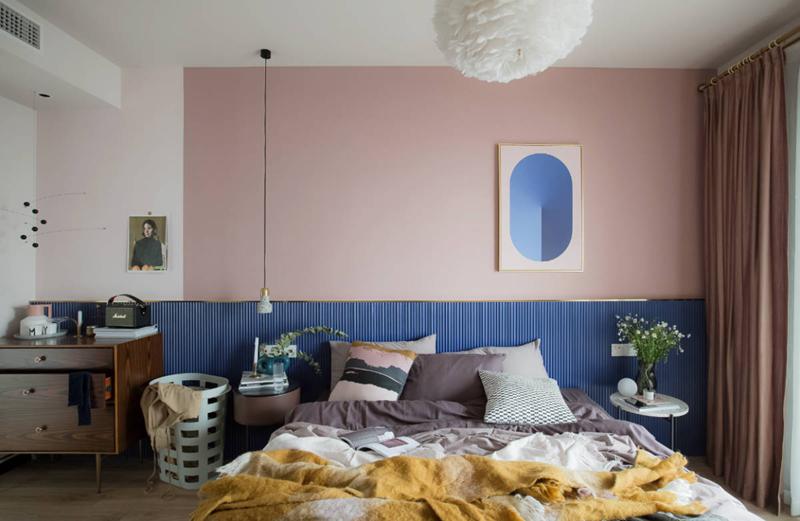 Phòng ngủ được thiết kế đơn giản, không trang trí, bày biện nhiều đồ vật