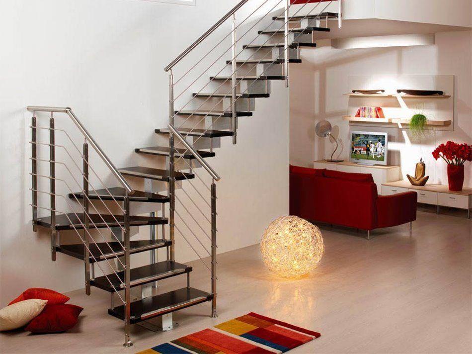 Ngoài ra, thiết kế cầu thang theo phương thẳng cũng sẽ giúp tiết kiệm diện tích cho ngồi nhà