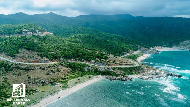 """Theo quy hoạch tổng thể phát triển kinh tế-xã hội tỉnh Ninh Thuận do tập đoàn Monitor xây dựng đã được Thủ tướng Chính phủ phê duyệt, Ninh Thuận định hướng phát triển kinh tế theo mô hình kinh tế """"xanh và sạch"""", ưu tiên thu hút đầu tư vào các lĩnh vực có lợi thế cạnh tranh cao như năng lượng tái tạo, BĐS du lịch - nghỉ dưỡng"""