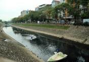 Nghịch lý xử lý nước thải Hà Nội: bao nhiêu năm rồi còn mãi loay hoay…